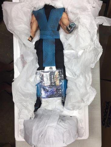 1-3-SUB-ZERO-Statue-111-350-Mortal-Kombat-Pop-_57 (1)