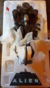 Alien-Diorama-Statue-Sideshow-Collectibles-Predator