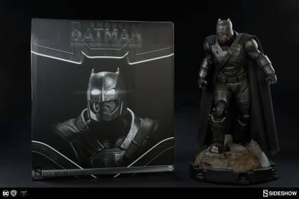 Armored-Batman-Premium-Format-Statue-Sideshow