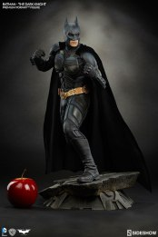 batman-the-dark-knight-premium-format-sideshow-300229-04
