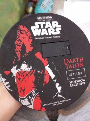 Darth-Talon-Exclusive-Premium-Format-statue-Sideshow-Star-_57