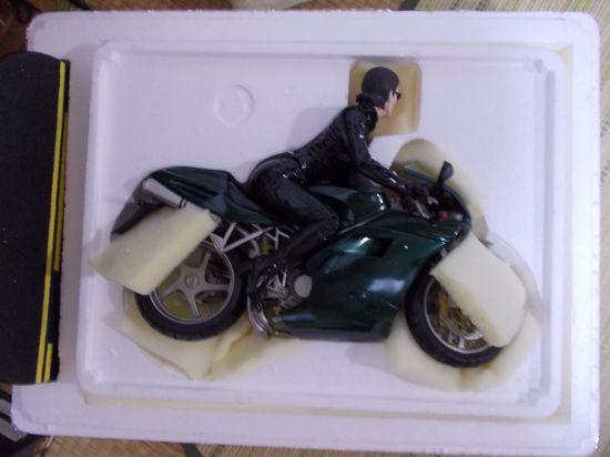 Gentle-Giant-Matrix-Reloaded-TRINITY-on-Motorcycle-1-6-_57