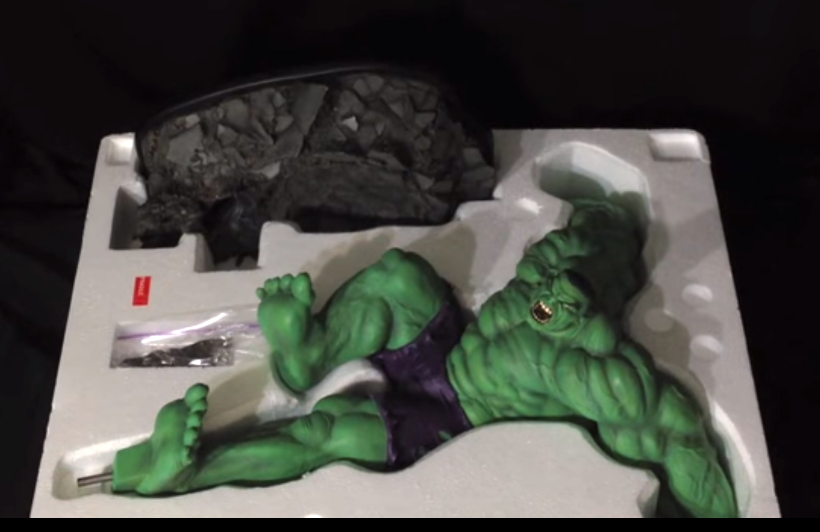 Sideshow Green hulk Comiquette 1/5 scale – Statue Unboxing