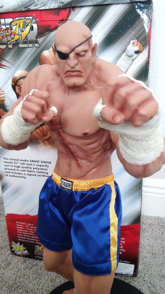 Sagat-Street-Fighter-Statue-Sideshow-Exclusive-POP-Culture-_57 (4)