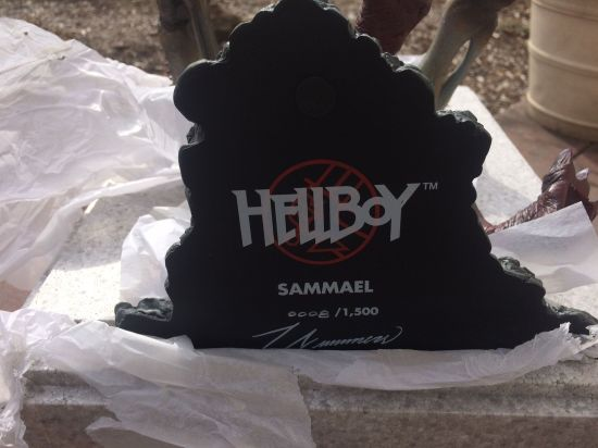 Sideshow-Collectibles-Hellboy-Sammael-Maquette-Demon-Statue-1-6-_57 (1)
