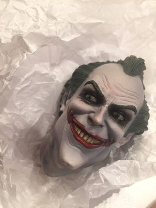 Sideshow-Collectibles-Joker-Arkham-Asylum-Premium-Format-Exclusive-_57 (2)