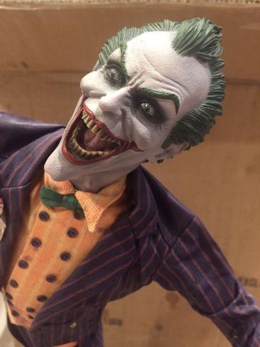 Sideshow-Collectibles-Joker-Arkham-Asylum-Premium-Format-Exclusive-_57