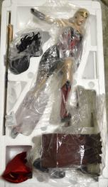 Sideshow-Collectibles-Premium-Format-WONDER-WOMAN-RED-_57