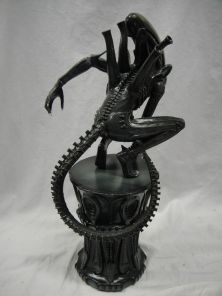 SIDESHOW-EXCLUSIVE-ALIEN-BIG-CHAP-POLYSTONE-STATUE-Chest-_57 (3)