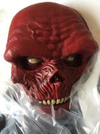 SIDESHOW-EXCLUSIVE-RED-SKULL-CAPTAIN-AMERICA-LEGENDARY-Scale-_57 (1)