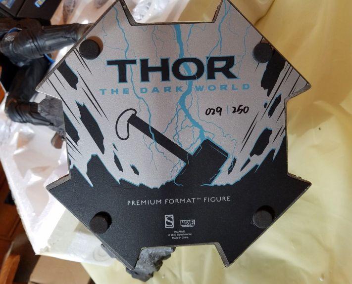 Sideshow-Exclusive-The-Dark-World-Thor-Premium-Format-_57 (1)