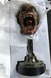 Sideshow-Exclusive-The-Dead-Specimens-687M-Legendary-Scale-_57 (1)