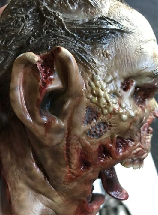Sideshow-Exclusive-The-Dead-Specimens-687M-Legendary-Scale-_57 (3)