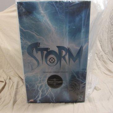 Sideshow-Exclusive-WHITE-STORM-Premium-Format-Statue-_57