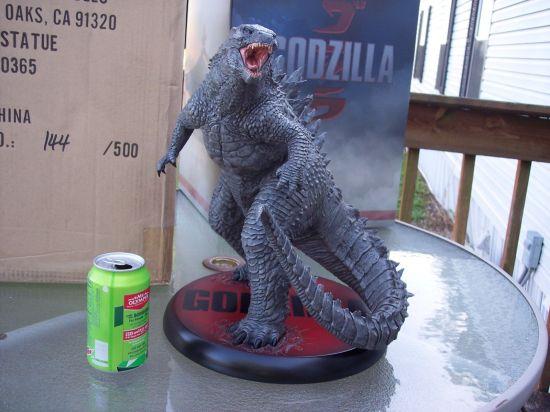 Sideshow-Godzilla-Statue-Godzilla-Bust-Godzilla-Art-Godzilla-Model-Kit-_57 (2)