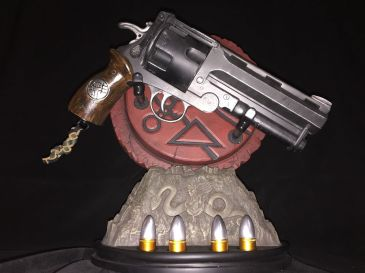 Sideshow-Hellboy-Ii-the-Samaritan-11-Scale-Revolver