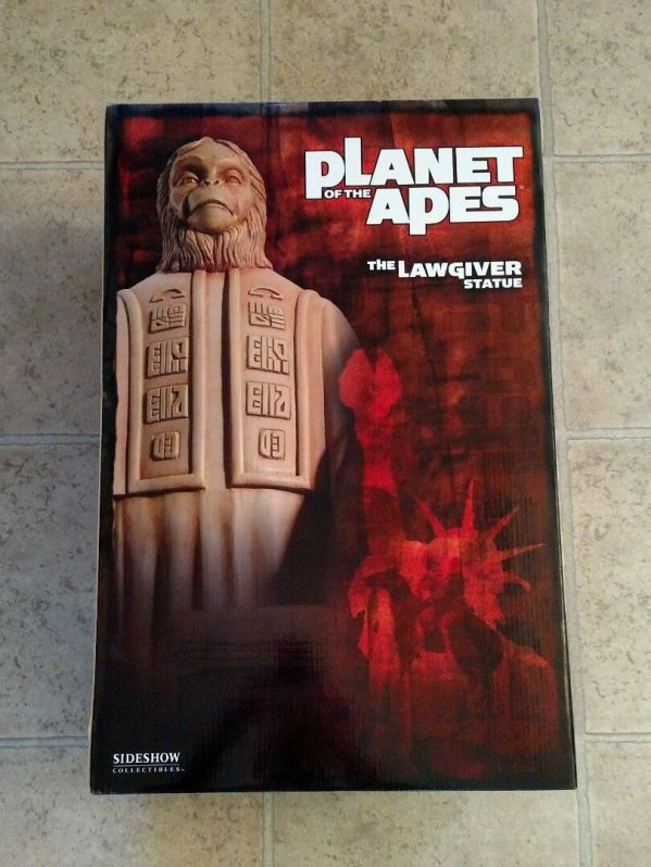 Sideshow-Lawgiver-Statue-_57