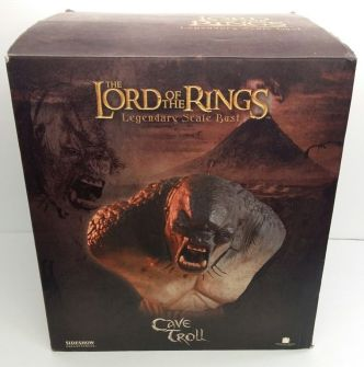 Sideshow-Lord-Of-The-Rings-CAVE-_57