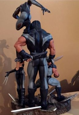 Sideshow-Marvel-X-Men-X-Force-Wolverine-Exclusive-Diorama-Statue-_57 (1)