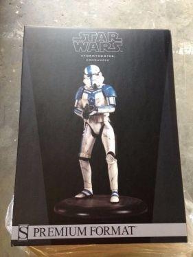 Sideshow-Star-Wars-Stormtrooper-Commander-Premium-Format-Figure-_57