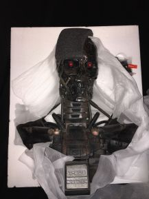 Sideshow-Terminator-Salvation-t-600-Endoskeleton-Life-Size-Bust-Statue-_57 (1)