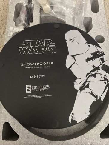 Snowtrooper-Exclusive-Premium-Format-Star-Wars-Sideshow-Statue-_57 (3)