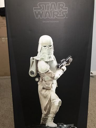 Snowtrooper-Exclusive-Premium-Format-Star-Wars-Sideshow-Statue