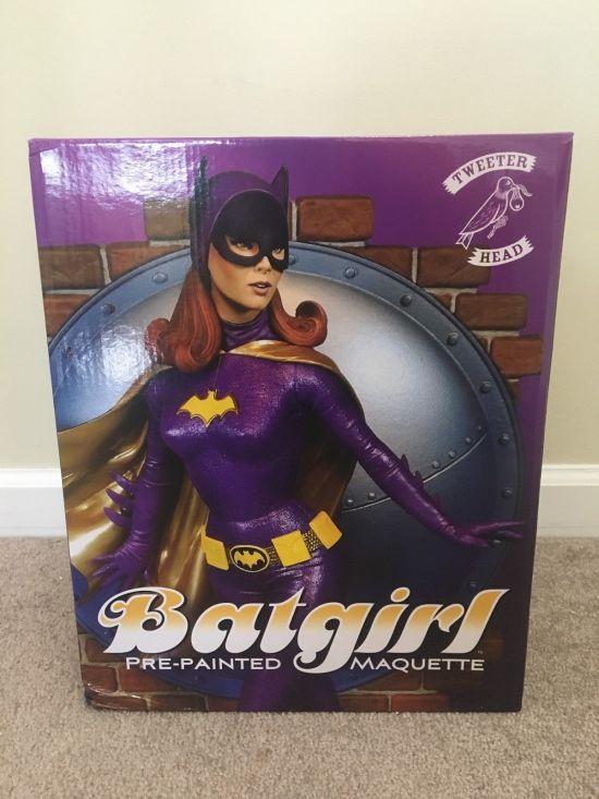 Tweeterhead-Batgirl-Statue-Yvonne-Craig-1966-Batman-TV-_57 (2)