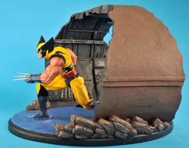 Wolverine-1-6-Scale-Statue-Diorama-Diamond-Eye-Variant-_57 (4)
