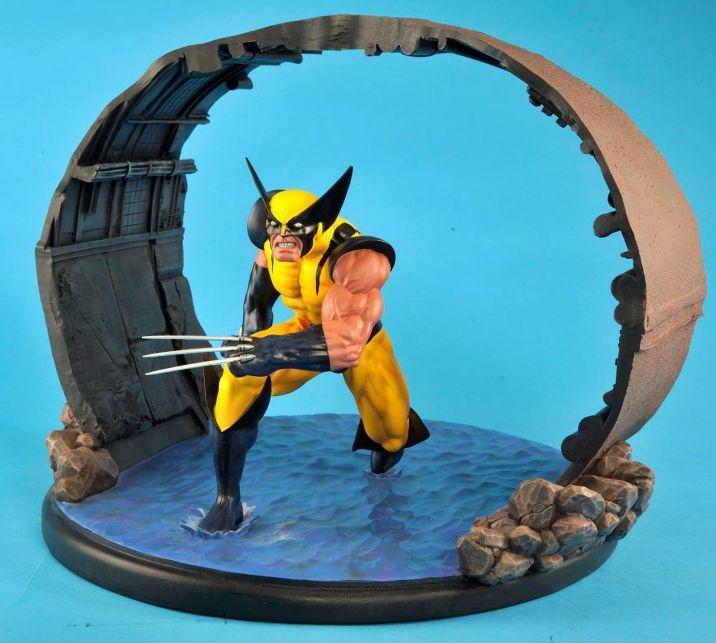 Wolverine-1-6-Scale-Statue-Diorama-Diamond-Eye-Variant