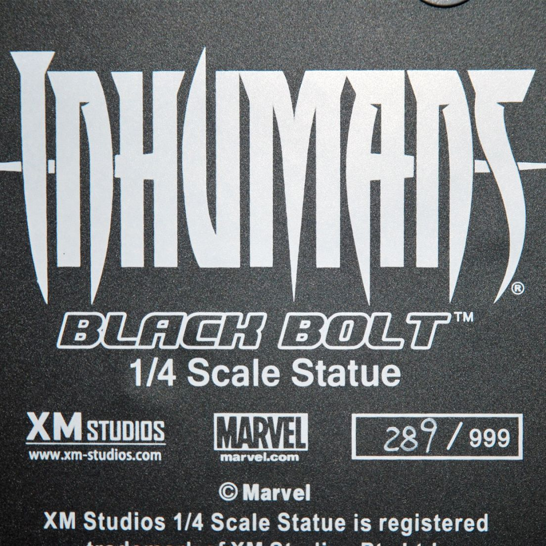 XM-Studios-BLACK-BOLT-1-4-Scale-Statue-289-999-_57 (5)