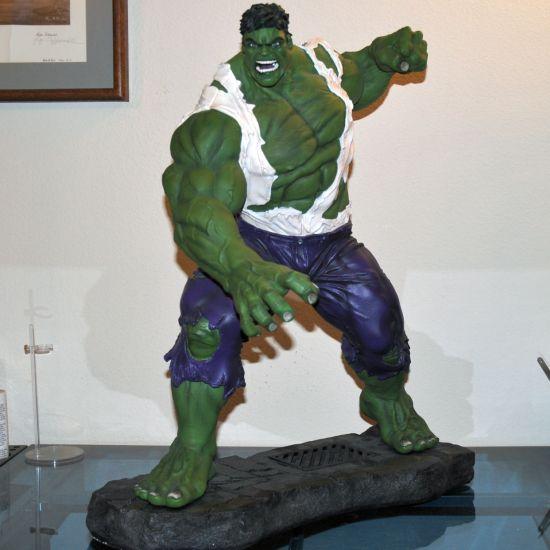 XM-Studios-HULK-w-COIN-1-4-Scale-Statue-_57 (1)