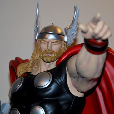 XM-Studios-THOR-W-COIN-1-4-Scale-Statue-906-999-_57 (4)