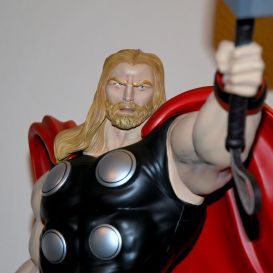 XM-Studios-THOR-W-COIN-1-4-Scale-Statue-906-999-_57 (5)
