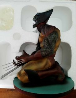 Art-Asylum-Marvel-Milestones-Wolverine-as-Brood-Statue-_57