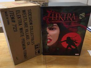 Elektra-Assassin-Resurrected-Premium-Format-Statue-EXCLUSIVE-rare-_57