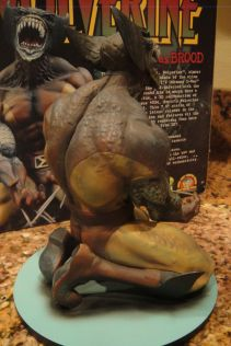 MARVEL-MILESTONES-WOLVERINE-as-BROOD-STATUE-MIB-W-COA-_57 (1)