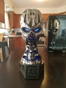 Offer-Sideshow-TERMINATOR-TX-TERMINATRIX-LIFE-BUST