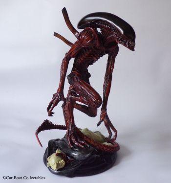 Sideshow-Collectibles-Alien-Resurrection-Warrior-11-Statue-Boxed-_57