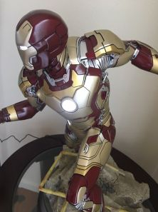 Sideshow-Exclusive-Iron-Man-Mark-42-Maquette-1-4-_57 (2)
