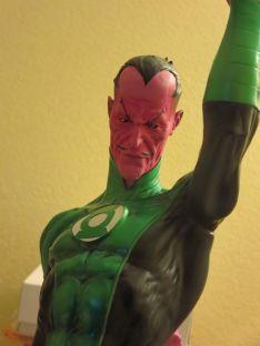 Sideshow-Green-Lantern-Sinestro-Premium-Format-Exclusive-Brand-_57 (1)