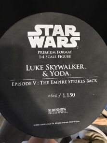 Sideshow-Premium-Format-Luke-Skywalker-and-Yoda-Statue-_57