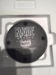 Bowen-Rogue-Statue-_57