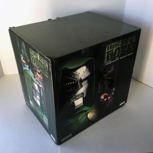 Sideshow-Collectibles-Dr-Doom-Legendary-Scale-Bust-Statue-_57