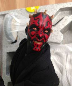Sideshow-Collectibles-Star-Wars-1-4-Darth-Maul-Premium-_57 (1)