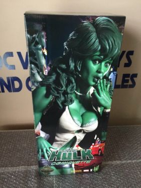 Sideshow-Exclusive-She-Hulk-Comiquette-w-Print-671-750-NEW-UNUSED-_57 (2)