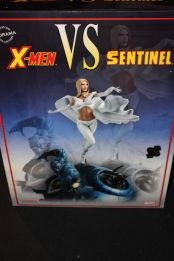 Sideshow-Exclusive-X-Men-Vs-Sentinel-2-Polystone-Diorama-_57