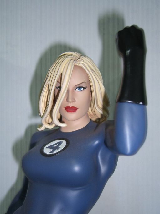 Sideshow-Sue-Storm-The-Fantastic-Four-Marvel-Comiquette-_57