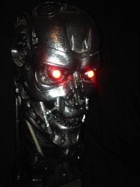 Sideshow-Terminator-Salvation-t-700-Endoskeleton-Life-Size-Figure-Bust-_57 (1)