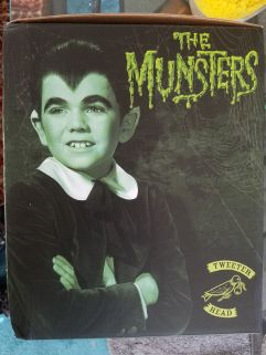 Tweeterhead-Munsters-Eddie-Munster-Black-and-White-Maquette-_57